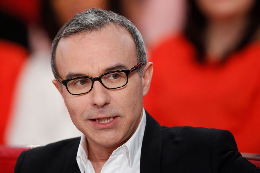 """Philippe Besson lors de l'enregistrement de """"Vivement Dimanche"""" Stéphane Bern , le 18 février 2015"""