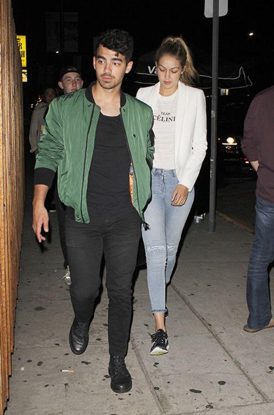 Joe Jonas et Gigi Hadid à Los Angeles le 9 août 2015