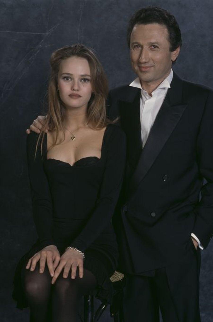 Aux Victoires de la Musique le 3 février 1990. Ici aux côtés de Vanessa Paradis.