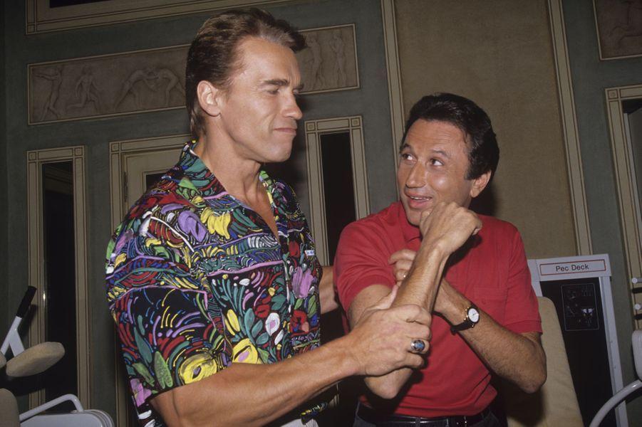 Avec Arnold Schwarzenegger à l'hôtel Ritz, à Paris en octobre 1990