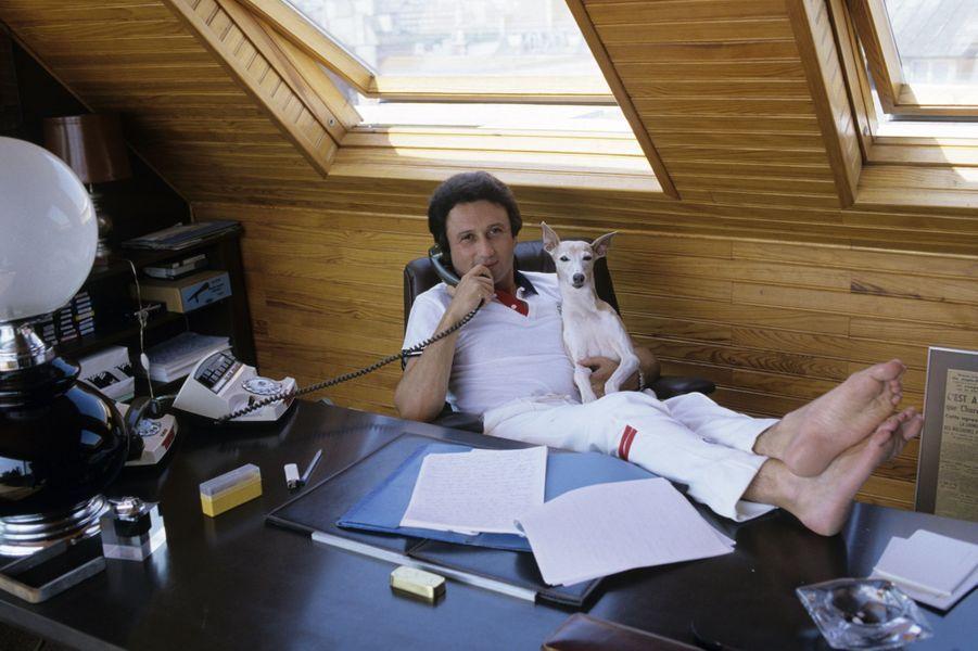 Portrait de l'animateur dans son domicile réalisé en août 1983