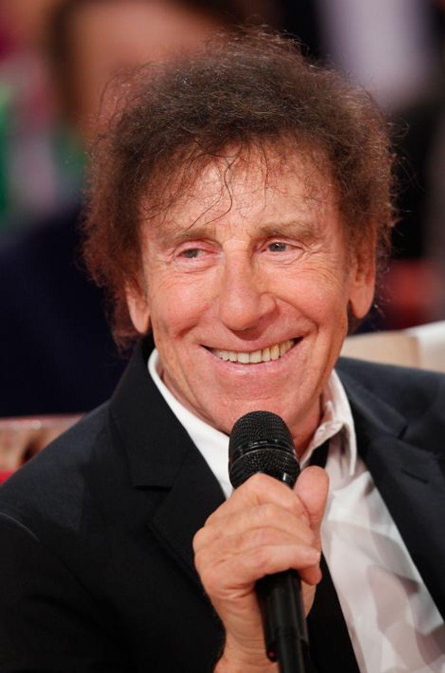 """Alain Souchon lors de l'enregistrement de l'émission """"Vivement Dimanche"""", le 28 octobre 2015"""