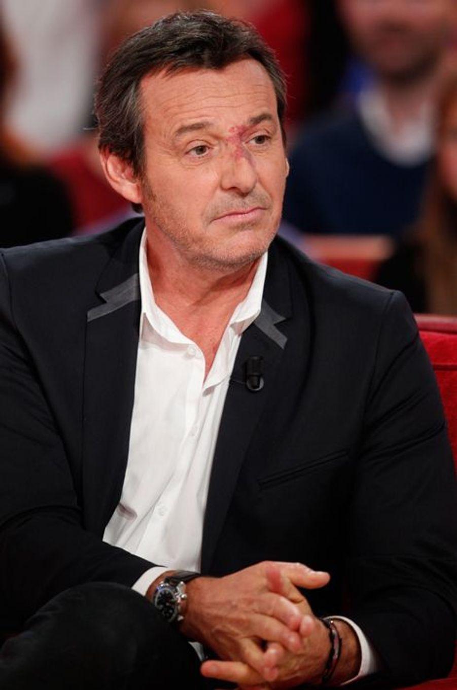 """Jean-Luc Reichmann lors de l'enregistrement de l'émission """"Vivement Dimanche"""", le 28 octobre 2015"""