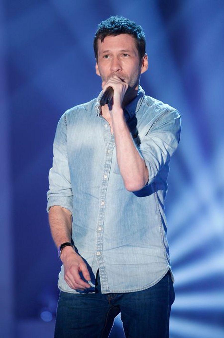 Alex Beaupain lors de l'enregistrement de «Vivement Dimanche» le 2 septembre 2015.