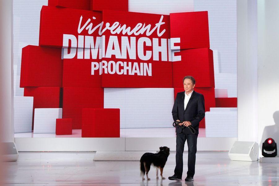 Michel Drucker lors de l'enregistrement de «Vivement Dimanche» le 2 septembre 2015.