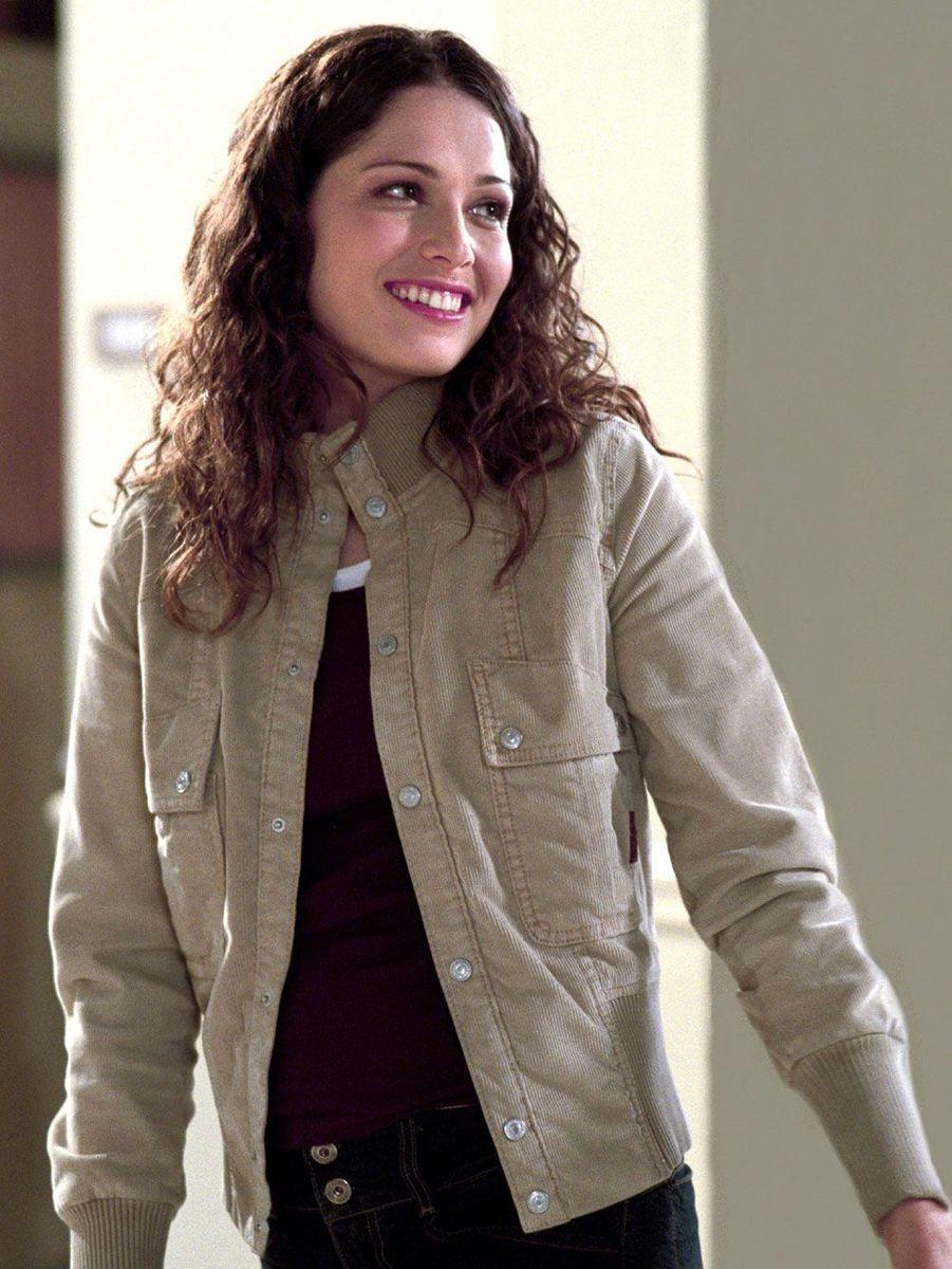 Elle jouait l'épouse de Matt dans la série. A 40 ans, l'actrice est morte dans son sommeil, le 27 septembre, de cause naturelle.