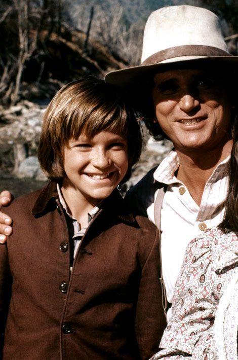 Beaucoup ont oublié que Jason Bateman avait joué dans cette série culte. Pendant un an, il a pourtant interprété le rôle de James Cooper Ingalls, adopté par Charles et Caroline après la mort de ses parents. L'homme de 46 ans est aujourd'hui une véritable star d'Hollywood, vu dans «Juno», «Hancock», ou encore «Comment tuer son boss?»