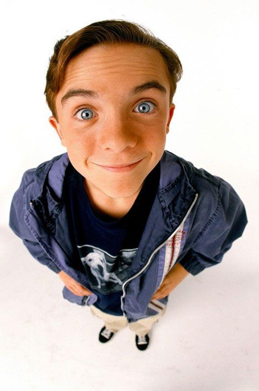 Devenu star de la télévision dans les années 2000 alors qu'il était encore un enfant, acclamé, nommé aux Golden Globes, le jeune homme de 29 ans a connu un difficile retour à l'anonymat. Après avoir tenté de percer dans la course automobile et la chanson, il a essayé en 2012 de revenir sur le devant de la scène en tant qu'acteur. Il a notamment a interprété son propre rôle dans la série «Don't Trust The B---- In Appartment 23», où James Van Der Beek incarne une version de lui-même particulièrement mégalomane. Le jeune homme d'aujourd'hui 29 ans a en outre connu de graves problèmes de santé, victime de deux AVC en deux ans. «Pratiquement un an jour pour jour après mon premier AVC, j'ai de nouveau fait une attaque. J'espère que ce sera la dernière. Je suis mal», avait-il écrit sur Twitter le 27 novembre 2013. Il est marié récemment avec sa fiancée de longue date, Elycia Marie.