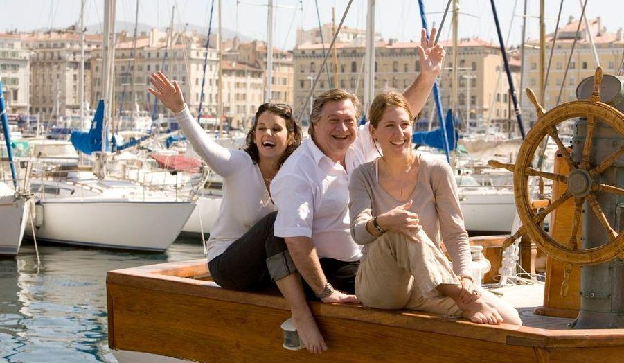 Trois écolos sur un bateau en bois, le « Don du vent » : Faustine Bollaert, Jacques Pradel et Maud Fontenoy.