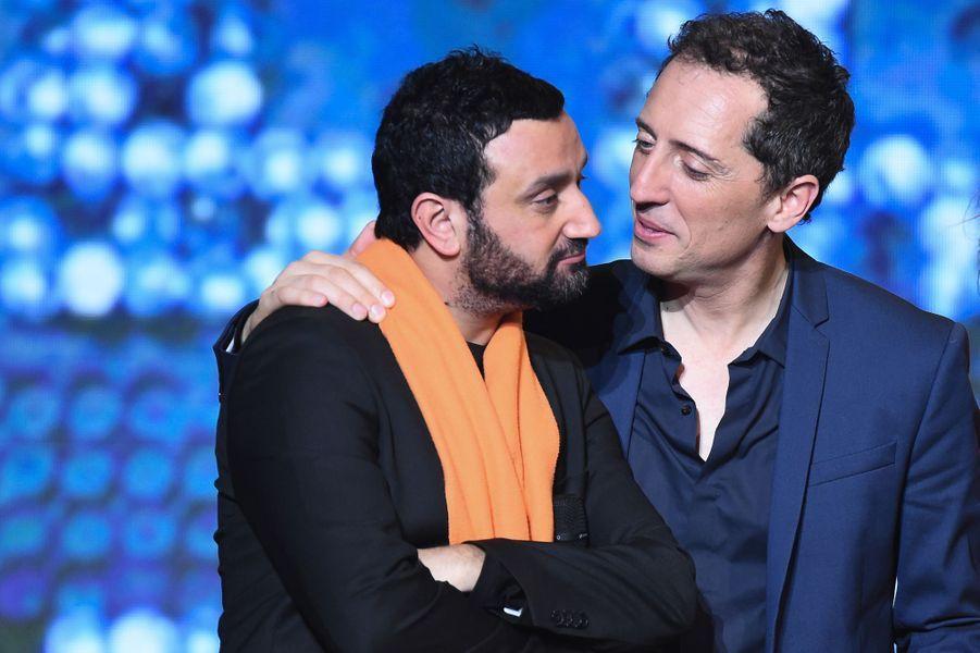 Cyril Hanouna et Gad Elmaleh au Téléthon 2014 à Paris, le 6 décembre 2014