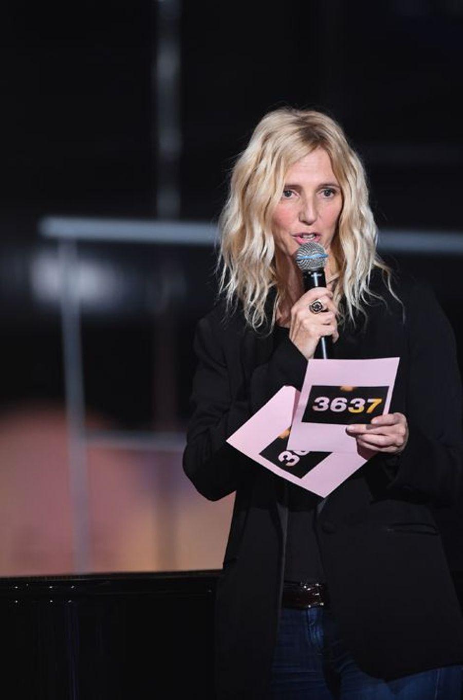 Sandrine Kiberlain au Téléthon 2014 à Paris, le 6 décembre 2014