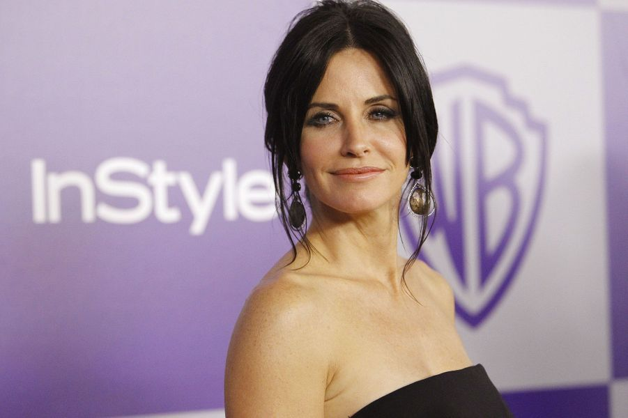 "8- Courteney Cox ""Cougar Town"" 6 millions de dollars"