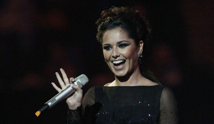 """La contribution de Cheryl Cole dans """"X-Factor US"""" ne s'est pas très bien passée. La FOX a en effet décidé de la renvoyer à cause de son manque d'alchimie avec Paula Abdul. Heureusement pour elle, elle a rapidement retrouvé sa place au sein du """"X-Factor UK"""""""