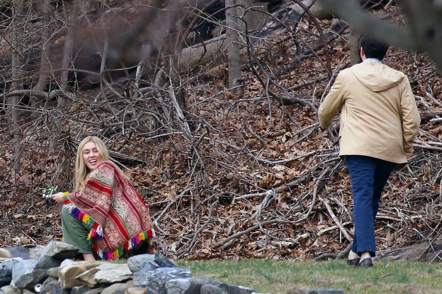 Miley Cyrus sur le tournage de la série de Woody Allen, près de New York, le 10 mars 2016