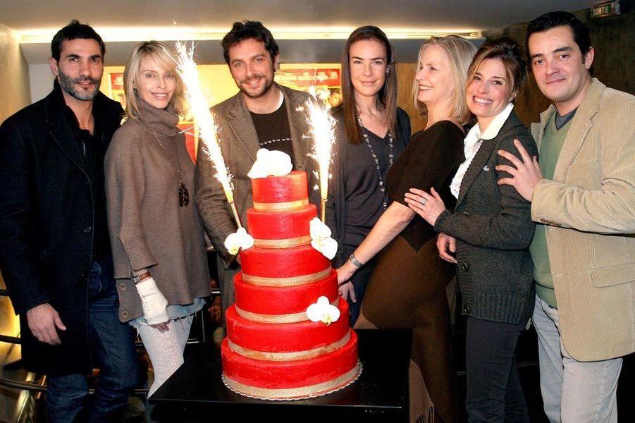 L'équipe de Sous le soleil fête la diffusion du dernier épisode, 2008