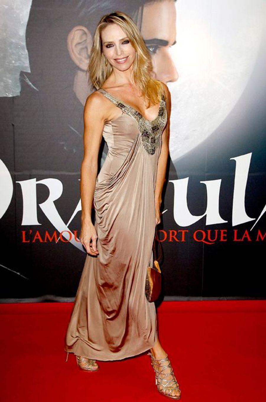 Tonya Kinzinger à l'avant première de la comédie musicale Dracula en 2011
