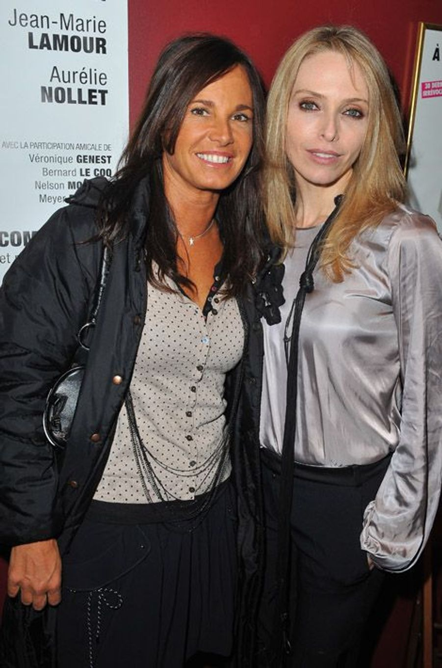 Tonya Kinzinger et Nathalie Marquay lors de la présentation de la pièce Le président, sa femme et moi, en 2011