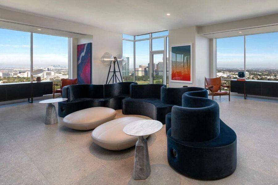 Le nouvel appartement de The Weeknd à Beverly Hills. En novembre 2019, le chanteur a dépensé 25 millions de dollars pour acquérir la propriété.