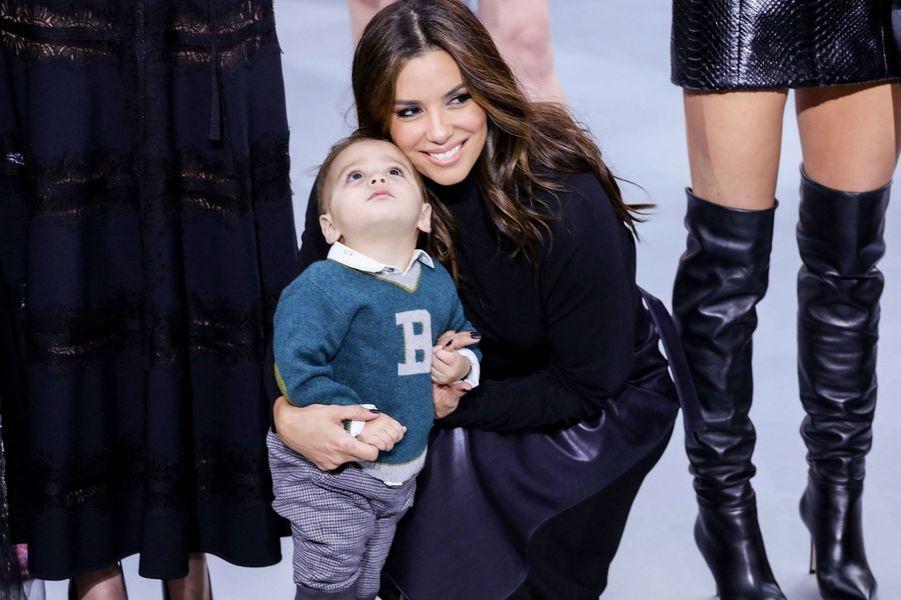 Eva Longoria et son petit Santiago