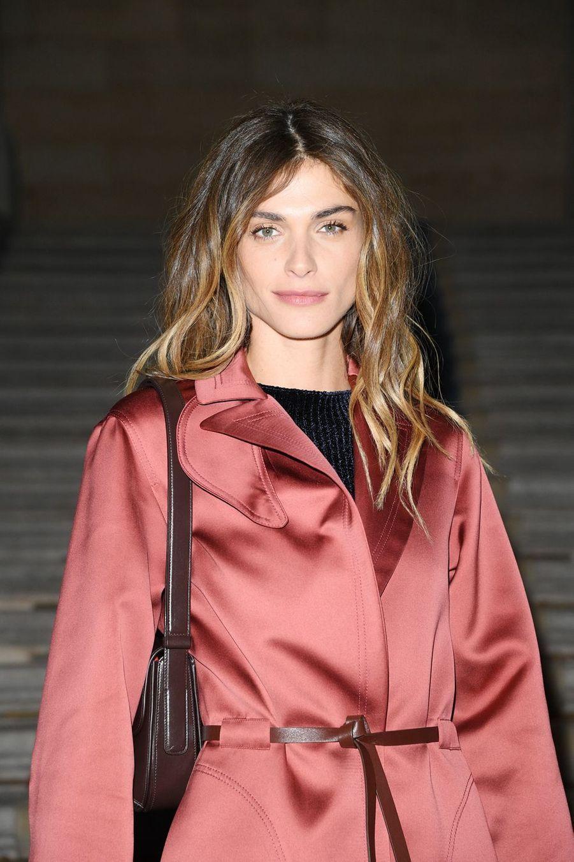 Elisa Sednaoui au défilé Giorgio Armani lors de la Fashion Week de Milan le 21 septembre 2019