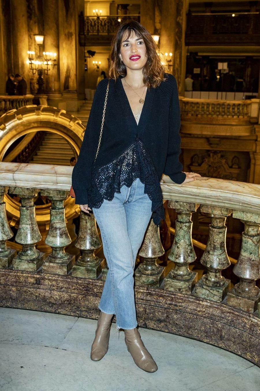 Jeanne Damas lors du défilé Stella McCartney à Paris, le 4 mars 2019