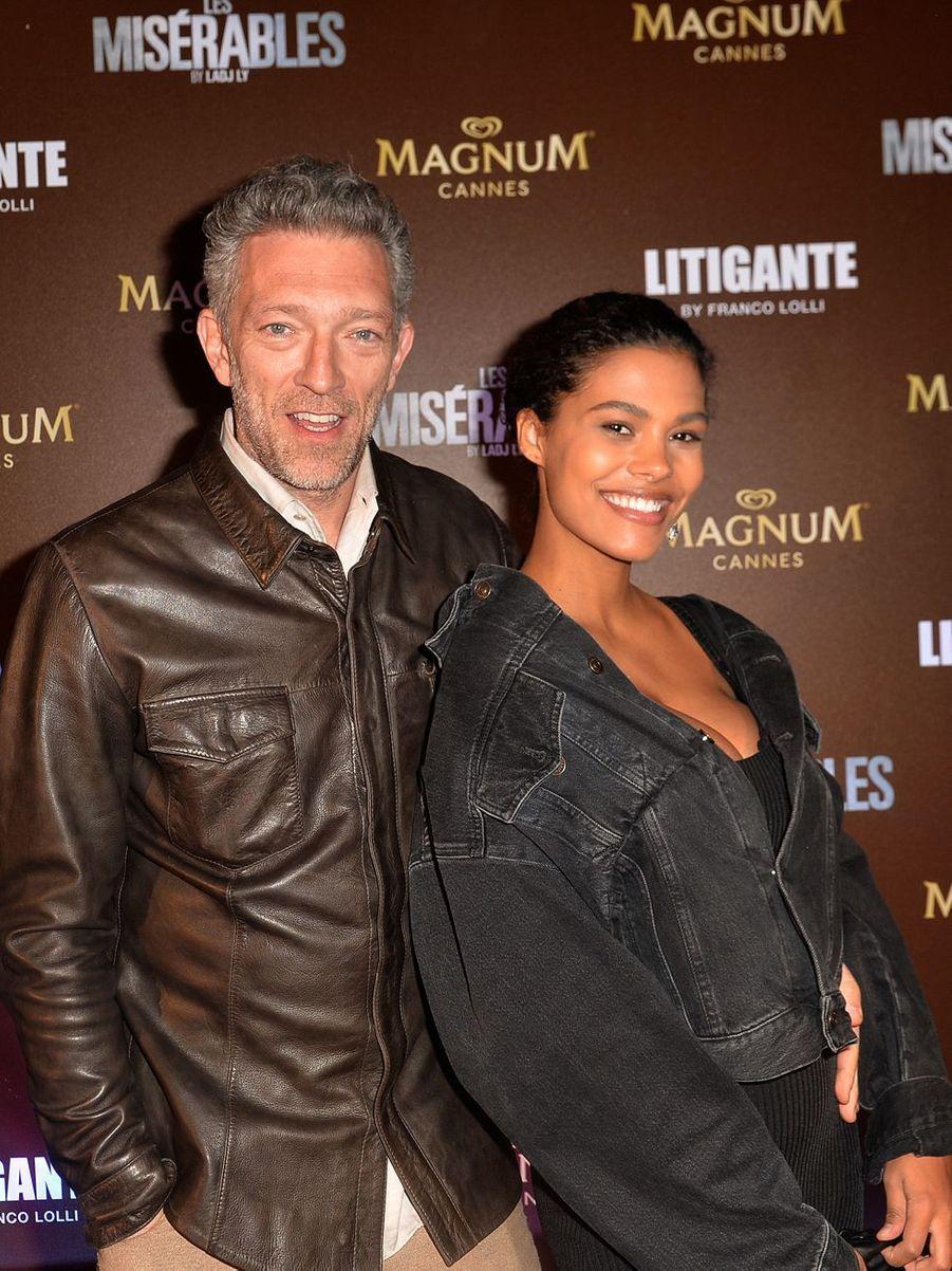Vincent Cassel et Tina Kunakey lors de la soirée Magnum à Cannes, le 15 mai 2019
