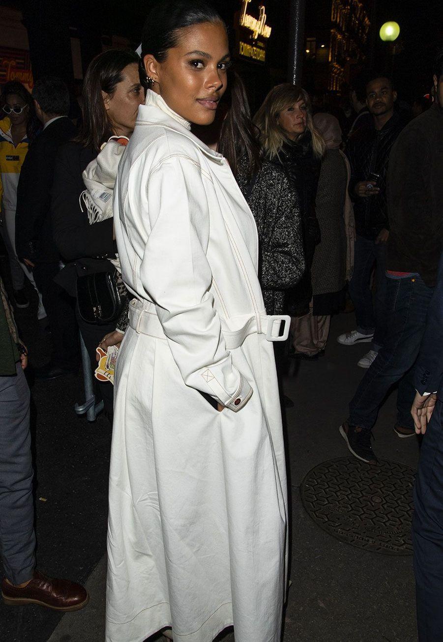Tina Kunakey au défiléTommy Hilfiger, à Paris samedi