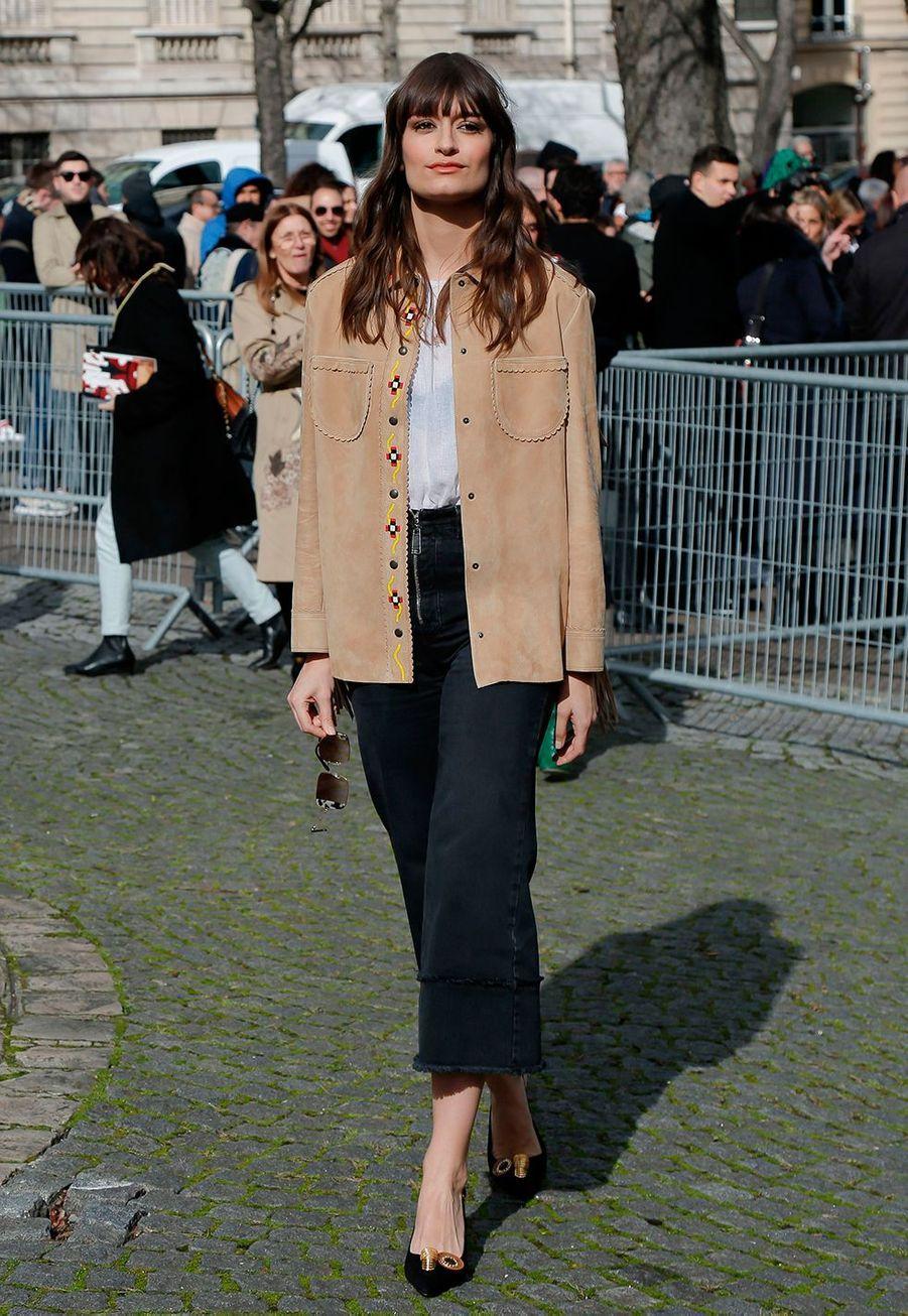 Clara Lucianiau défilé prêt-à-porter automne-hiver 2020-2021 Miu Miu à Paris le 3 mars 2020.