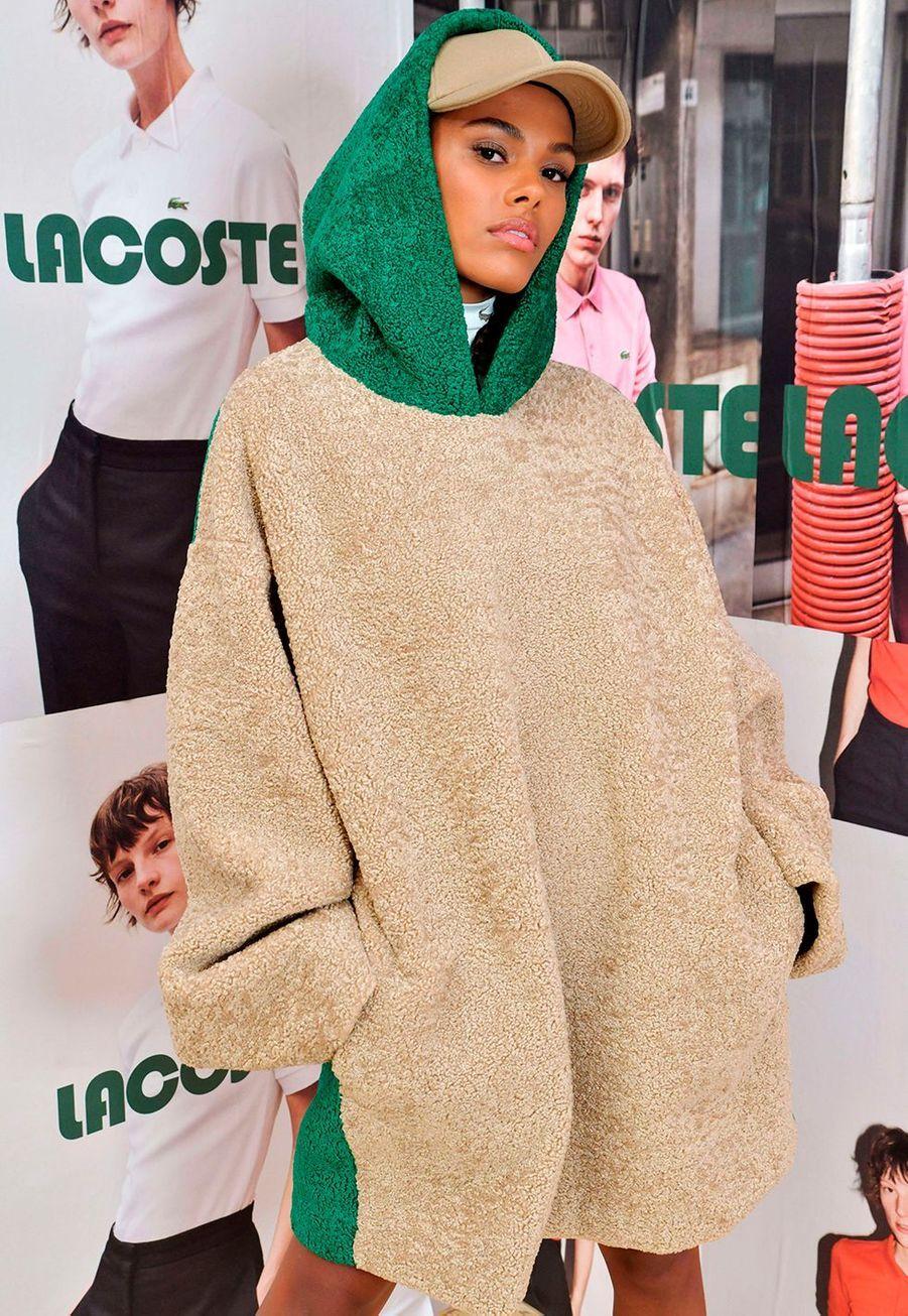 Tina Kunakey au défilé prêt-à-porter automne-hiver 2020-2021 Lacoste à Paris le 3 mars 2020.