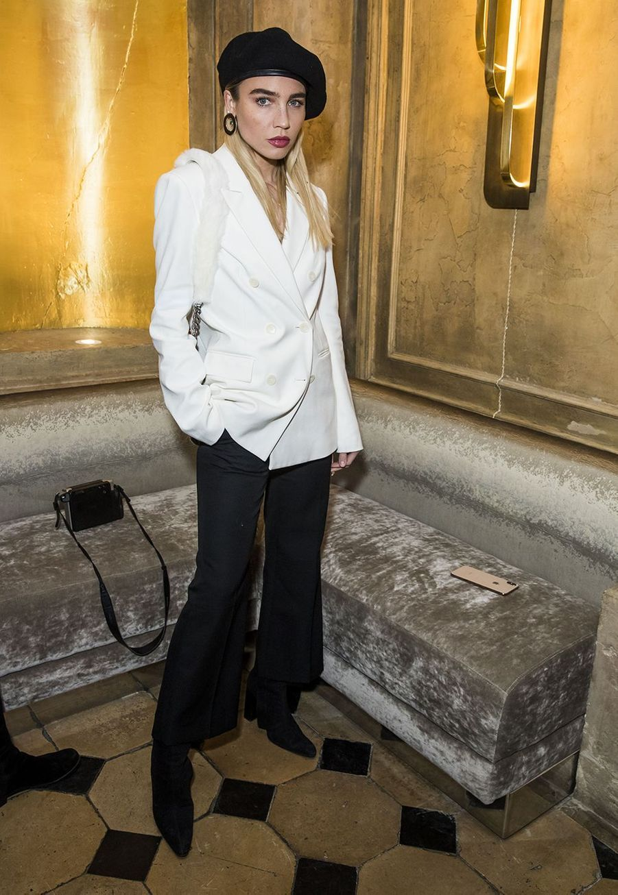 """La chanteuse Goldiloxau dîner pour la sortie du magazine """"Numéro 200"""" à Paris le 31 janvier 2019"""