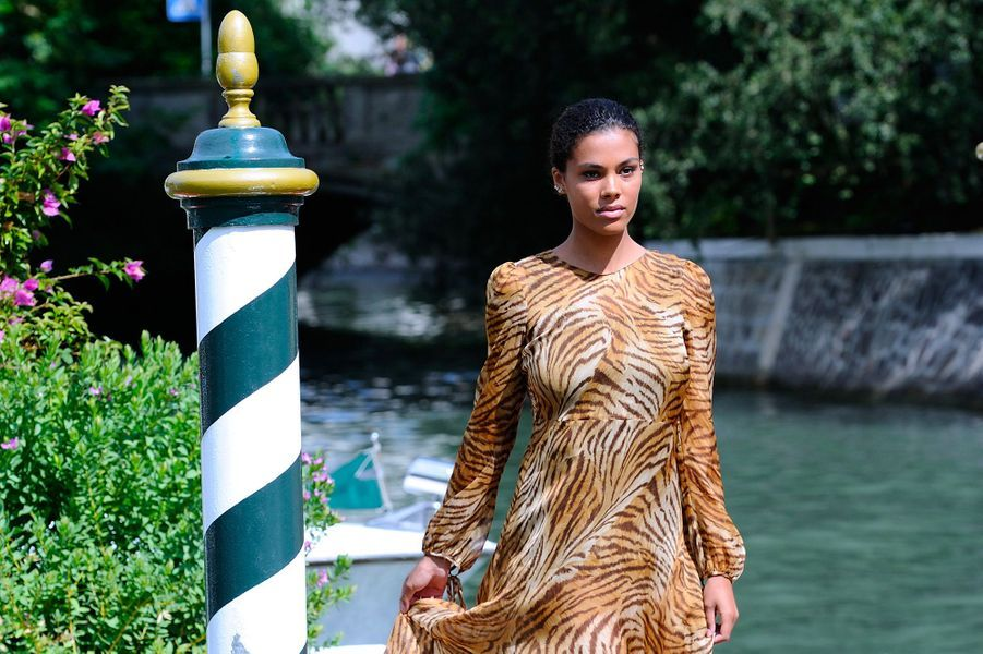 Tina Kunakey arrive à Venise, lundi 3 septembre