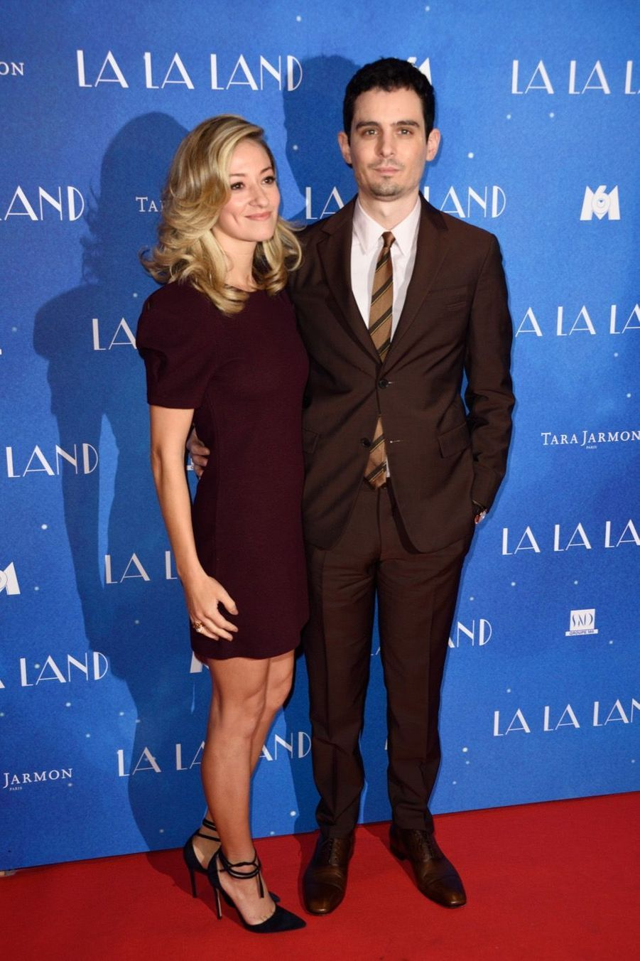 """Damien Chazelle et sa compagne lors de l'avant-première de """"La La Land"""" à Paris."""