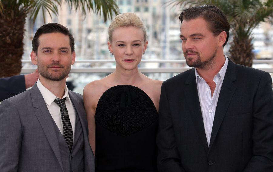 Leonardo DiCaprio avec Tobey Maguire et Carey Mulligan au photocall de «Gatsby Le Magnifique» au Festival de Cannes le 15 mai 2013