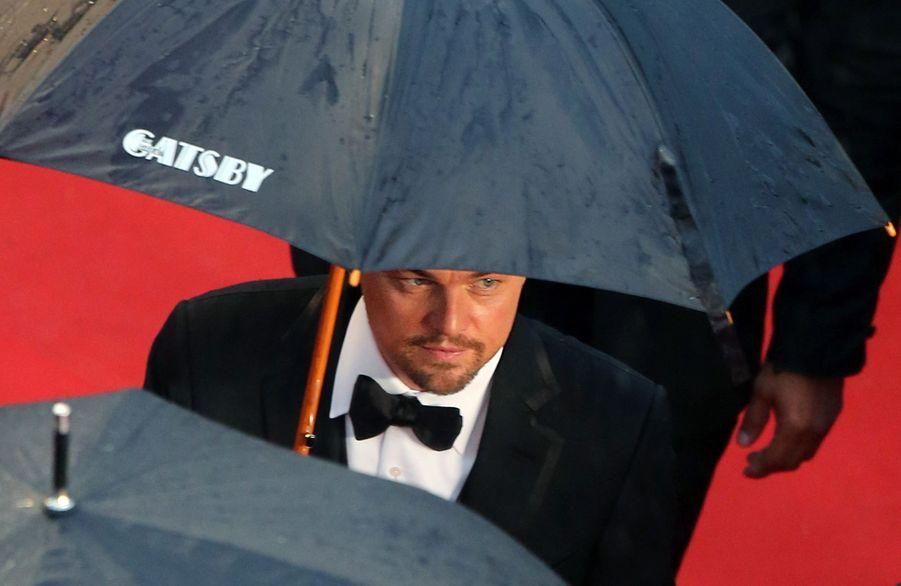 Leonardo DiCaprio lors de la montée des marches du film «Gatsby Le Magnifique» lors du Festival de Cannes le 15 mai 2013