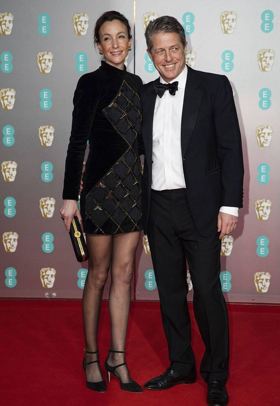 Anna Elisabet Eberstein et Hugh Grantà la73e cérémonie des British Academy Film Awards à Londres le 2 février 2020