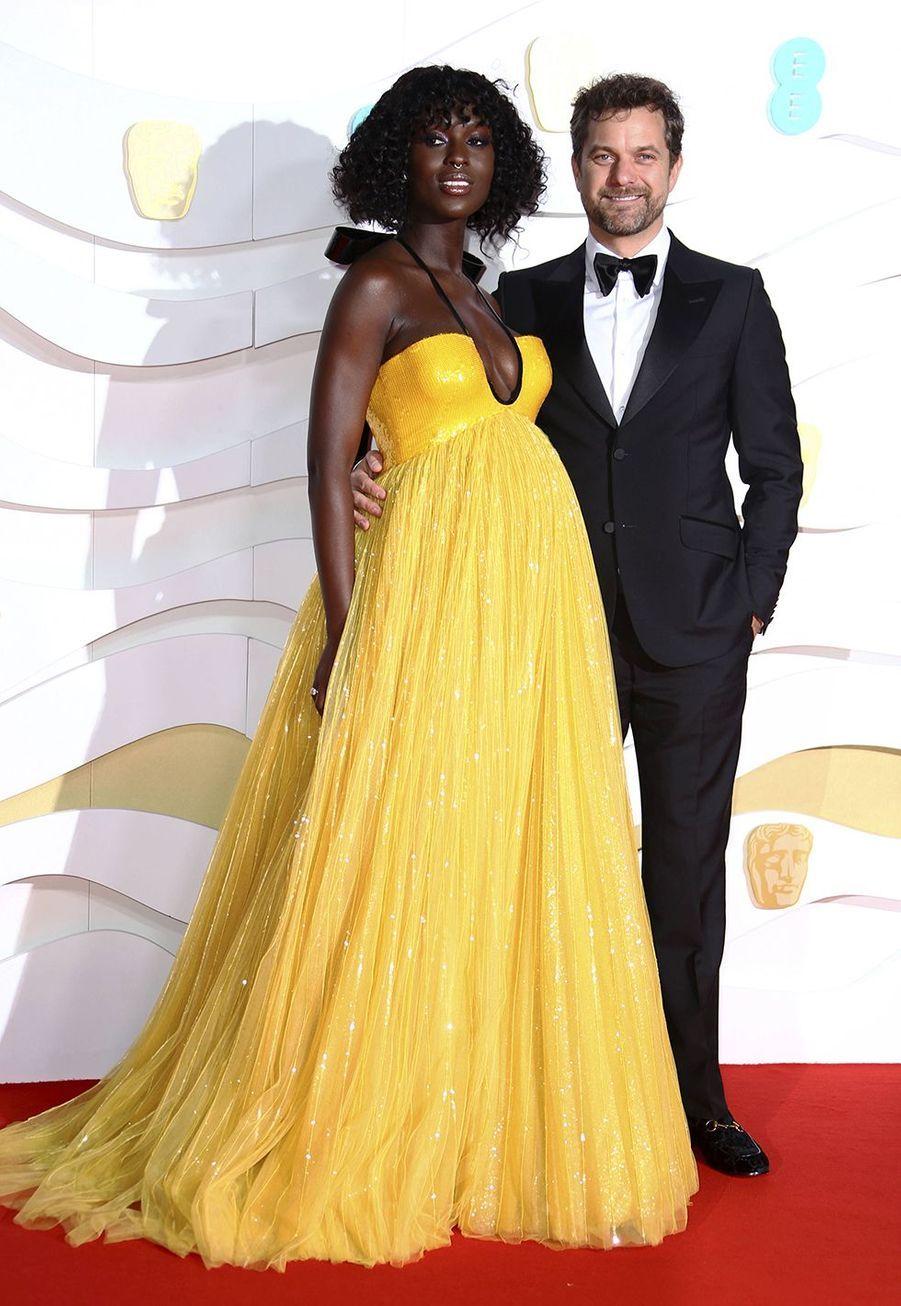 Jodie Turner-Smith (en robe Gucci) et Joshua Jacksonà la73e cérémonie des British Academy Film Awards à Londres le 2 février 2020