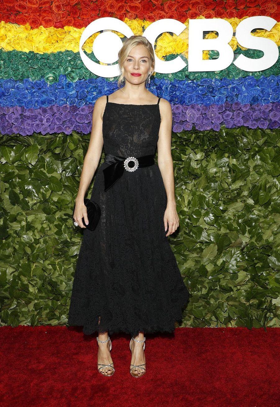 Sienna Millerà la 73e cérémonie des Tony Awards le 9 juin 2019 à New York