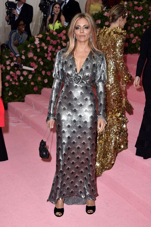 Sienna Miller au MET Gala à New York le 6 mai 2019