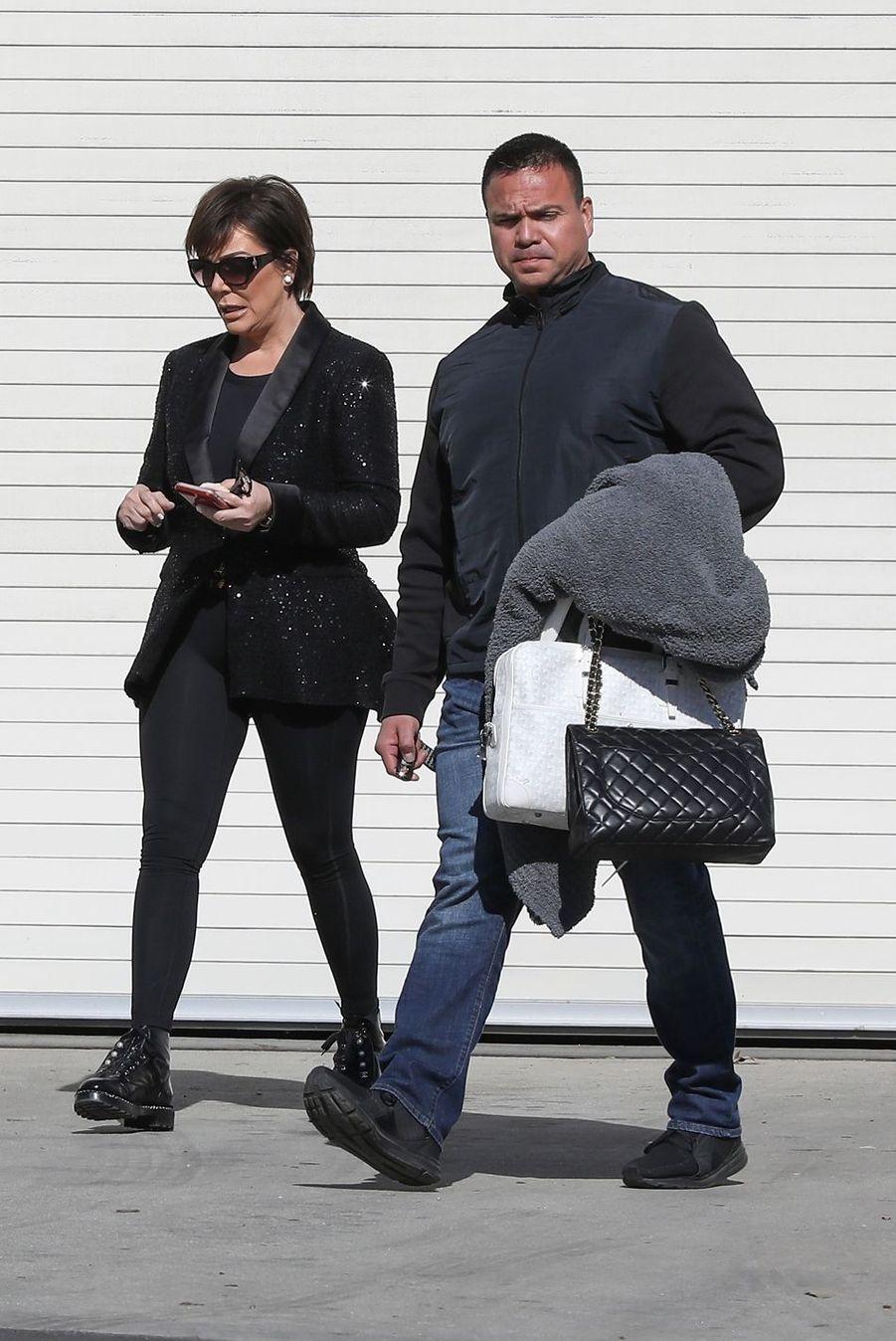 Kris Jenner est allée rendre visite à sa fille Khloe Kardashian au bureau de son beau-fils Kanye West à Calabasas, le 19 février 2019
