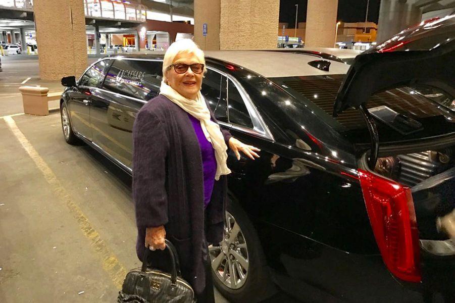 Line Renaud, vendredi 22 septembre, à son arrivée à Las Vegas. Une limousine du Caesars Palace l'attend.