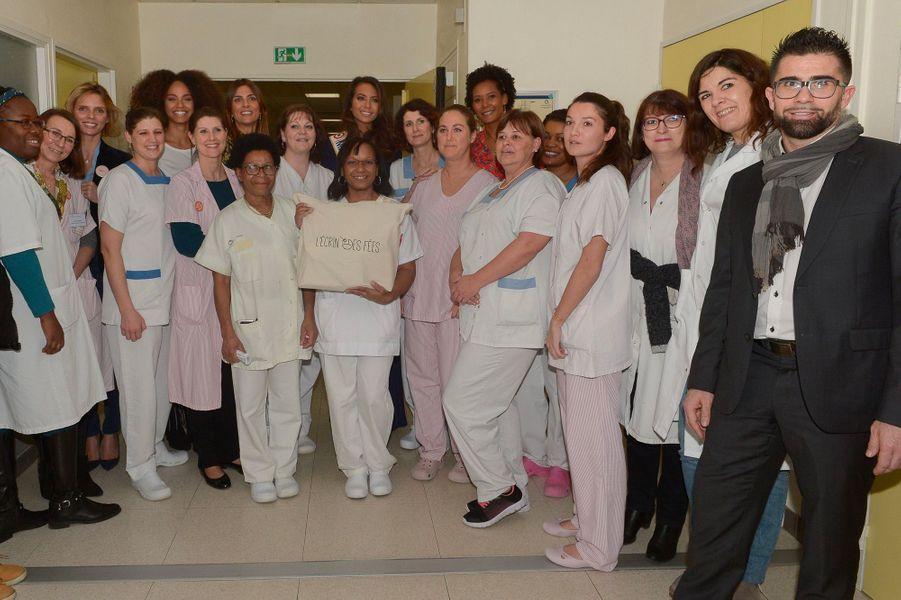 Vaimalama Chaves en visite à l'hôpital de Poissy