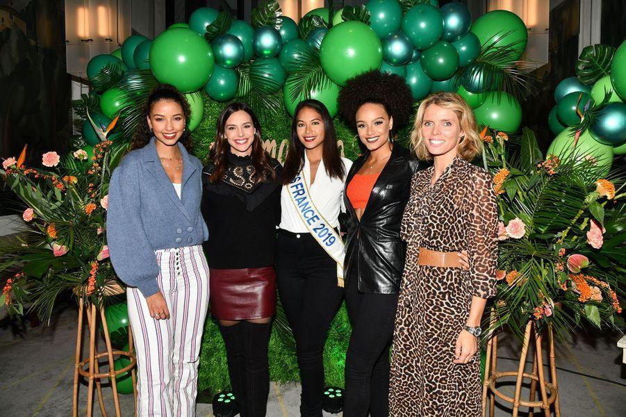 Vaimalama Chaves fête ses 25 ansà Parisle 3 décembre en présence deFlora Coquerel, Marine Lorphelin, Alicia Aylies et Sylvie Tellier.