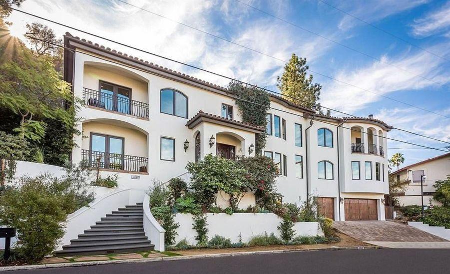 Vanessa Hudgens vend sa villa de Studio City pour 3,8 millions de dollars. Février 2019.