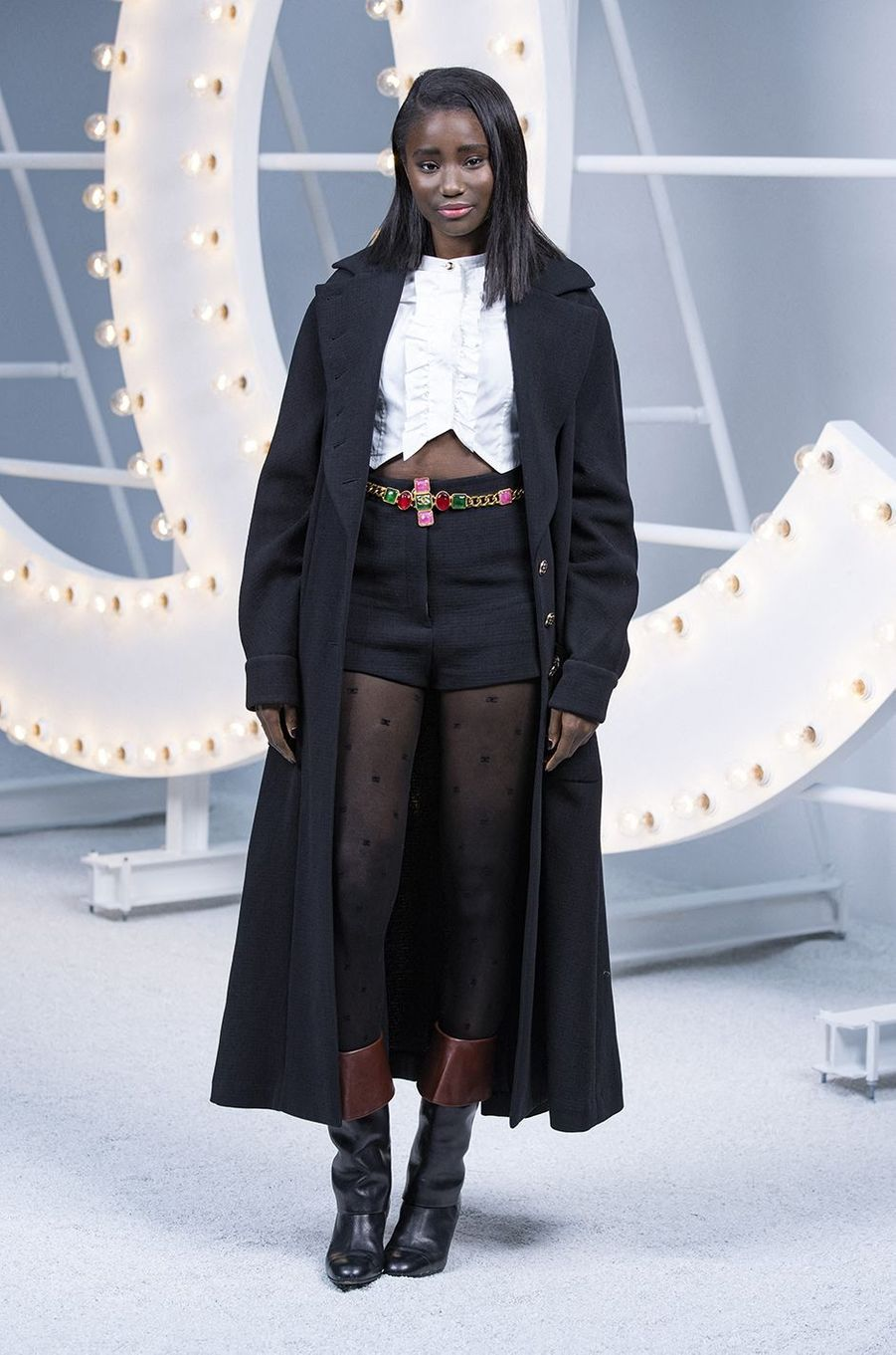 Karidja Touré au défilé Chanel lors de la Fashion Week à Paris le 6 octobre 2020