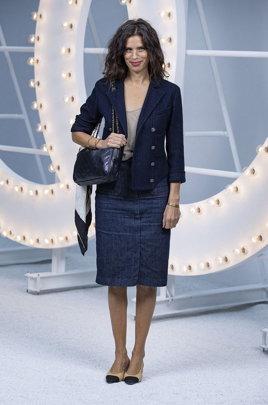 Maïwenn au défilé Chanel lors de la Fashion Week à Paris le 6 octobre 2020