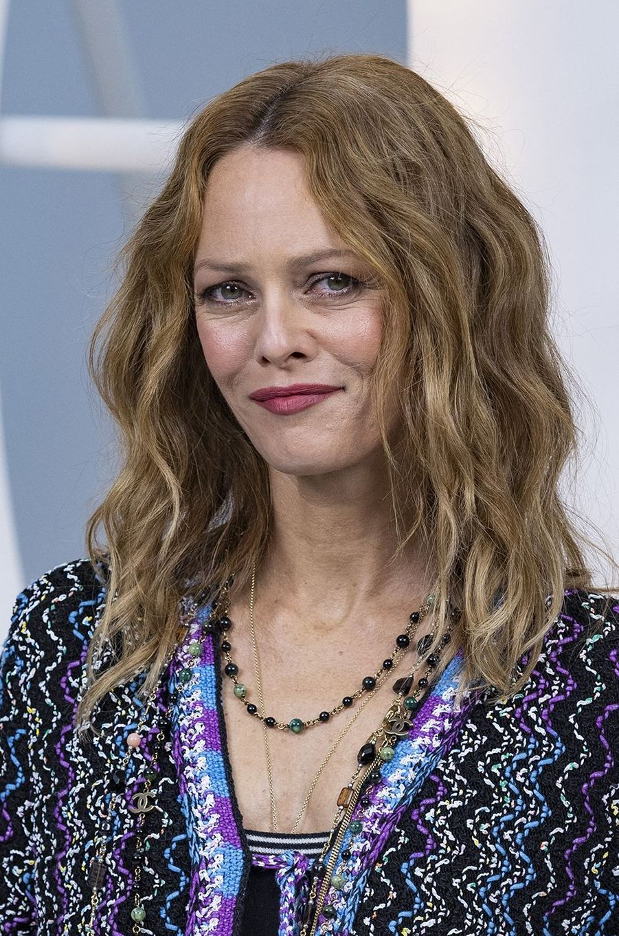 Vanessa Paradis au défilé Chanel lors de la Fashion Week à Paris le 6 octobre 2020