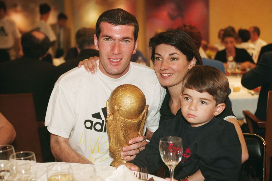 Véronique et Zinédine Zidane avec leur fils Enzo