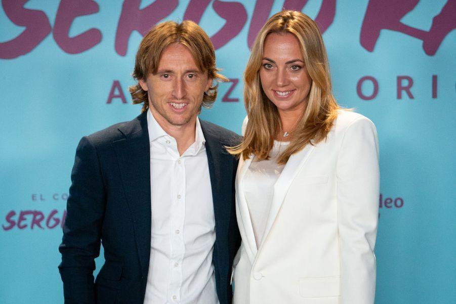 LukaModrić et sa compagneVanja Bosnicà la première de«El Corazon de Sergio Ramos», à Madrid