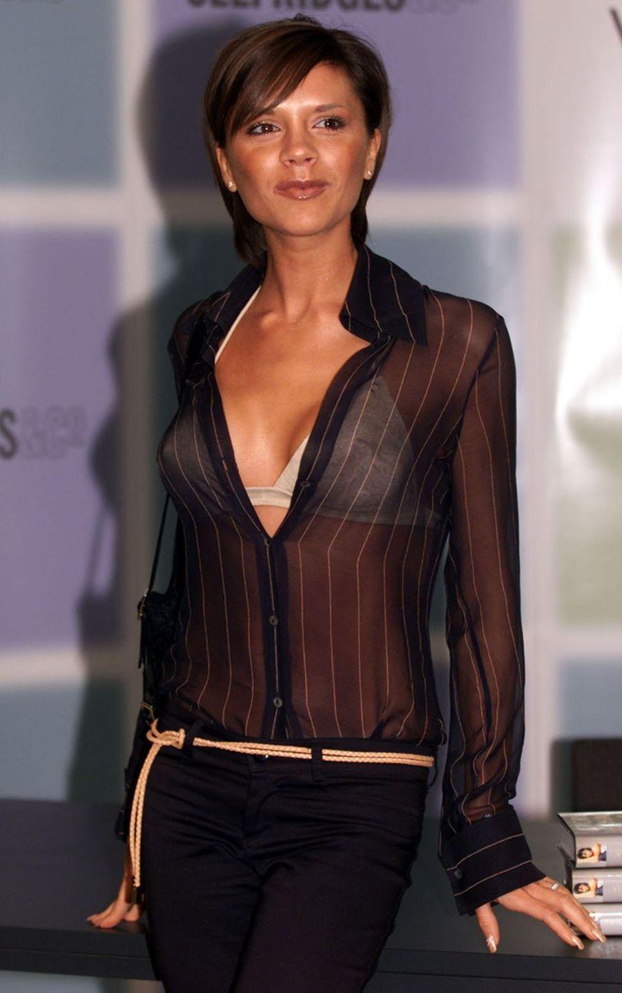Victoria Beckham à Londres, le 17 septembre 2001