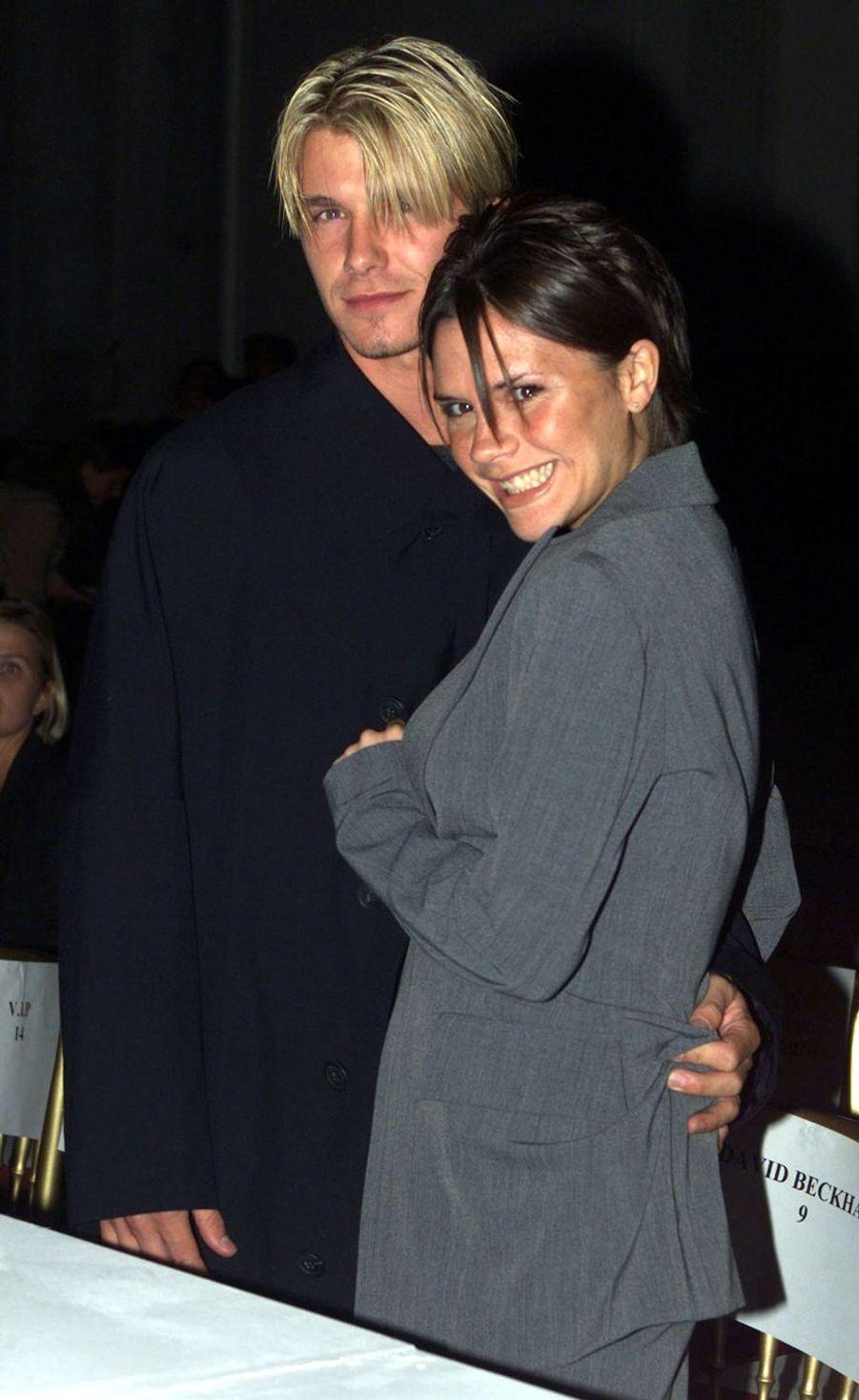 Victoria et David Beckham à Londres, le 25 septembre 1998
